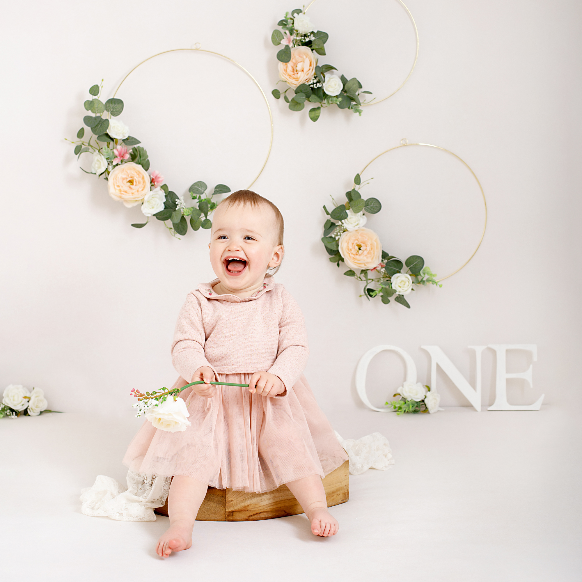 little girl celebrating her first birthday with a photoshoot in Kent